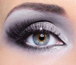 Voorbeelden voor het aanbrengen van makeup oogschaduw bij blauwe ogen | Rubriek.nl