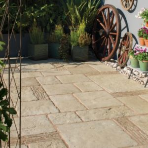 #Bradstone Grey Green Old Town Mixed Size Paving Pack #Grey Green Old Town Mixed Size Paving Pack (L)3200 (W)2750mm. (Barcode EAN=5015111219185)