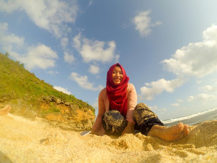 Pantai ngeden, gunungkidul by @vidyaayuu #explorejogja #gunungkidul #traveling