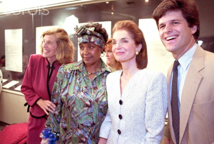 Winnie Mandela and Jacqueline Kennedy Onassis Winnie Mandela, wife of anti-apartheid activist Nelson Mandela, poses with Jacqueline Kennedy Onassis in Boston in 1990. Nelson Mandela, who was recently released from a South African prison, is touring the United States.  Date Photographed:June 24, 1990 ❋ ❤❋ ❤❋ ❤❋ ❤  ❋   http://en.wikipedia.org/wiki/Jacqueline_Kennedy_Onassis