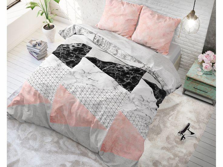Kvalitné bavlnené posteľné obliečky ružovej farby s trojuholníkmi