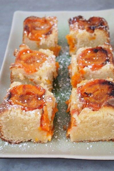 Torta albicocche e mandorle simil-Ottolenghi