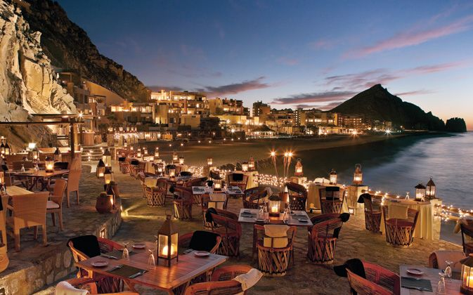 El Farallon in Los Cabos pairs delicious meals with breathtaking views - Dinner plans for tonight? YES
