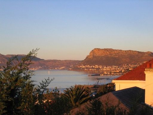 Self catering accommodation, Muizenberg, Cape Town  Muizenberg views - sunset  http://www.capepointroute.co.za/liveit-muizenberg.php