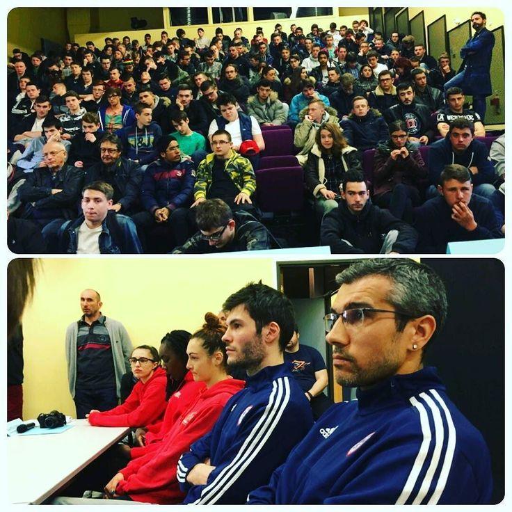 Un clin d'oeil à la conférence de jeudi dernier au lycée Jules Verne de #Mondeville. Sport et santé au programme. Merci pour l'invitation !  #CBCNation  #bball #basket #lnb #FFBB #Caen #Normandie #JulesVerne by caenbc14