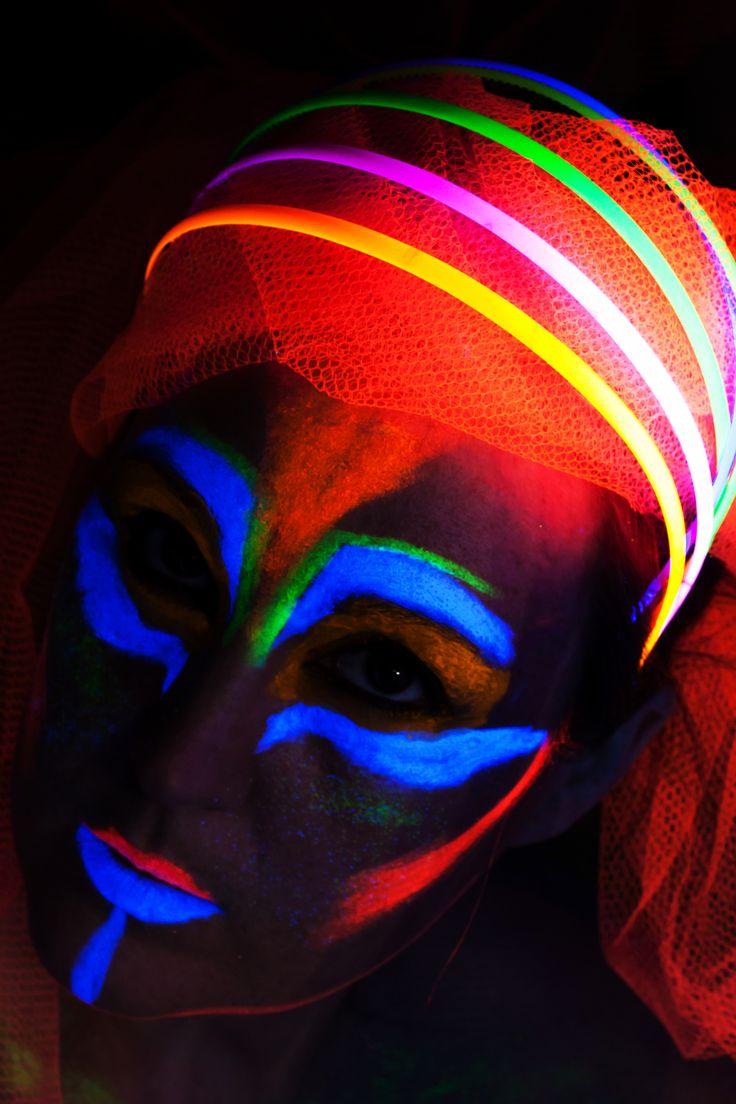 UV glow portrait by Lynda & Soren Olsen on 500px,  #blacklight #neon #glow #UV #uvlight