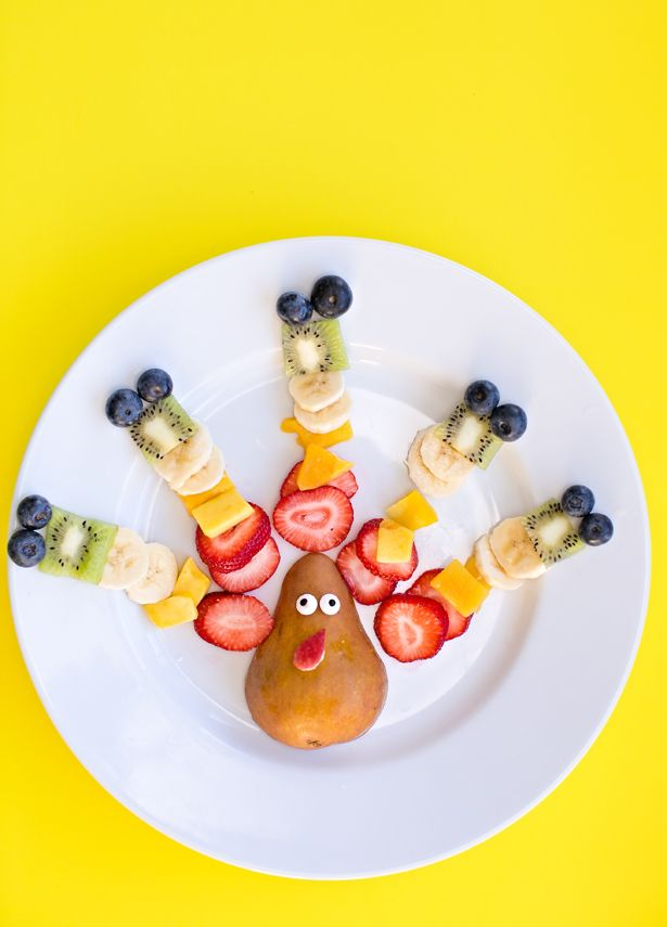EASY RAINBOW FRUIT TURKEY SNACK FOR KIDS