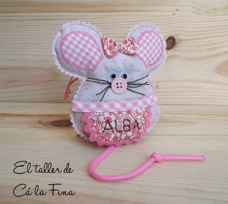 Ratoncita guardadientes personalizada para Alba #regalosoriginales #regalospersonalizados #RatónPérez