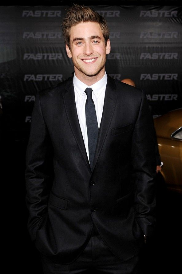 Oliver Jackson-Cohen- if Ryan Gosling and Jake Gyllenhaal had a love child...