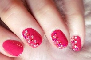Pink Jeweled Nails | Valentine's Day Manicure