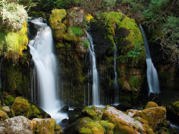 Fuentes del Bastareny o de l'Adou - http://bellos-pueblos-catalanes.blogspot.com/2012/11/fuentes-del-bastareny-o-de-ladou.html