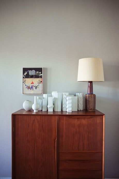 German white ceramic vases  Freunde von Freunden — Olaf Hajek — Illustrator, Apartment und Atelier, Berlin-Mitte —