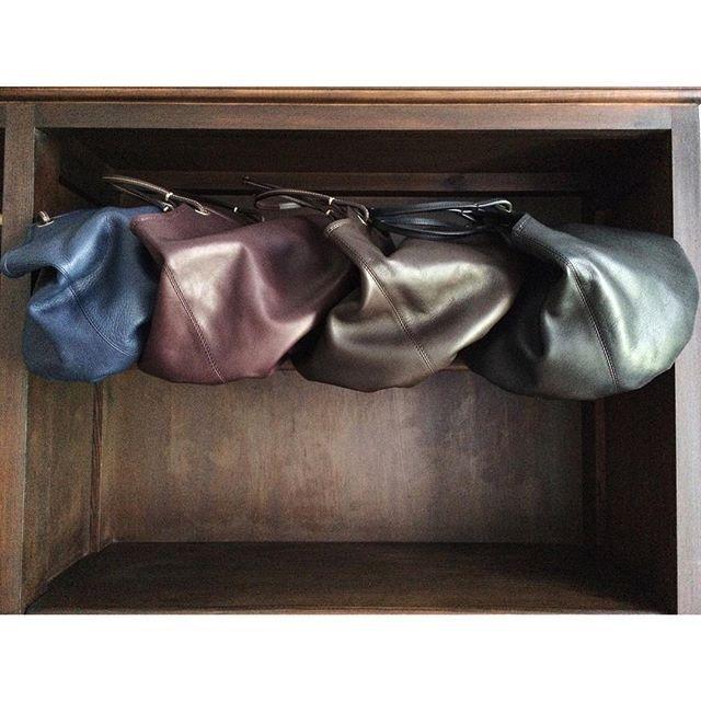 Our bags levitate! Beautiful autumn colors 🍂🍁