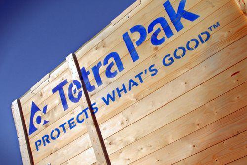 Tetra Pak è il principale fornitore mondiale di imballaggi per alimenti come per latte, zuppe, succhi di frutta ed altri prodotti liquidi, e produce anche macchinari per il trattamento ed il confezionamento degli alimenti.