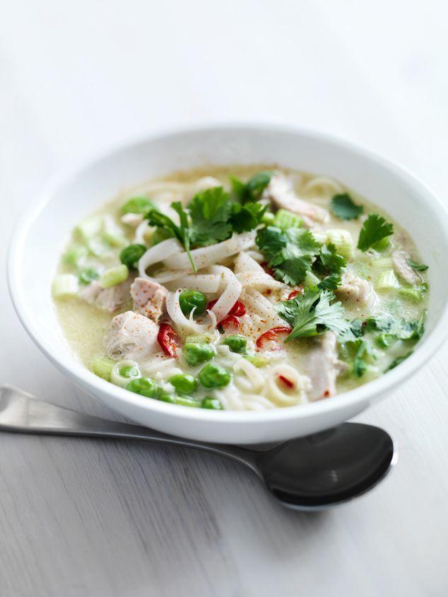 Thaise soep met kip noedels en groenten