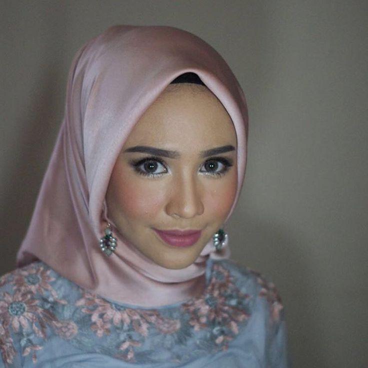 Hijab Engagement / Muslim Brides / Engagement Makeup by randrasyid on Instagram ☁ @terosha ☁