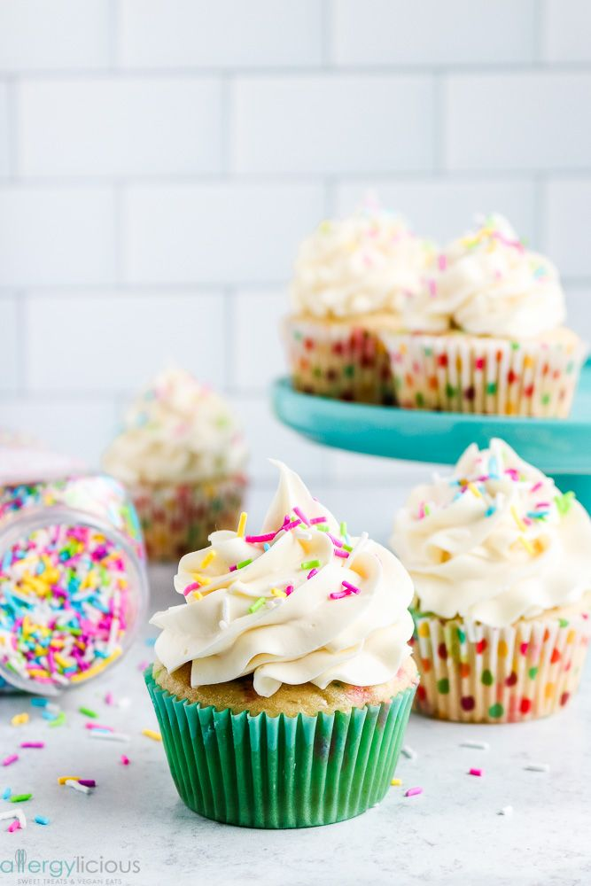 These Vegan Funfetti Cupcakes Are Perfect For Any Celebration Simple To Make No Boxed Mixes Required And Per In 2020 Unicorn Cupcakes Custom Desserts Vegan Cupcakes