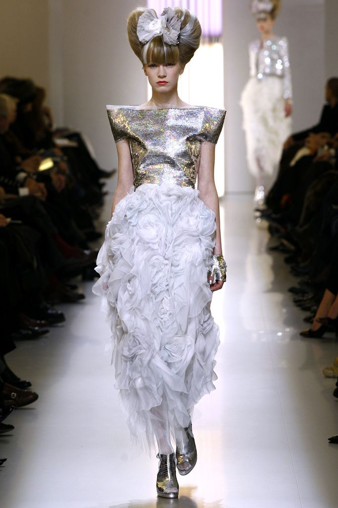 Chanel - Spring 2010 Couture - Look 63 of 66