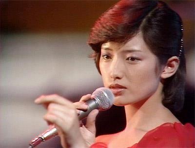 Momoe Yamaguchi 山口百恵 singing 愛の嵐 Ai no Arashi