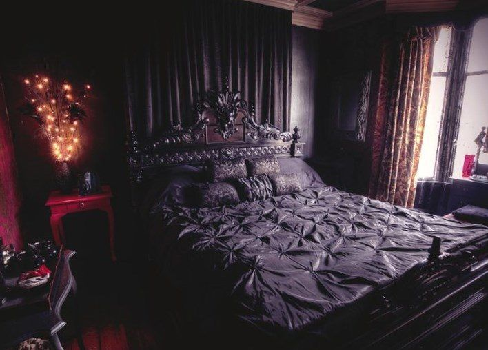 The 25+ Best Gothic Bedroom Decor Ideas On Pinterest | Gothic Room, Gothic  Bedroom And Gothic Home Decor