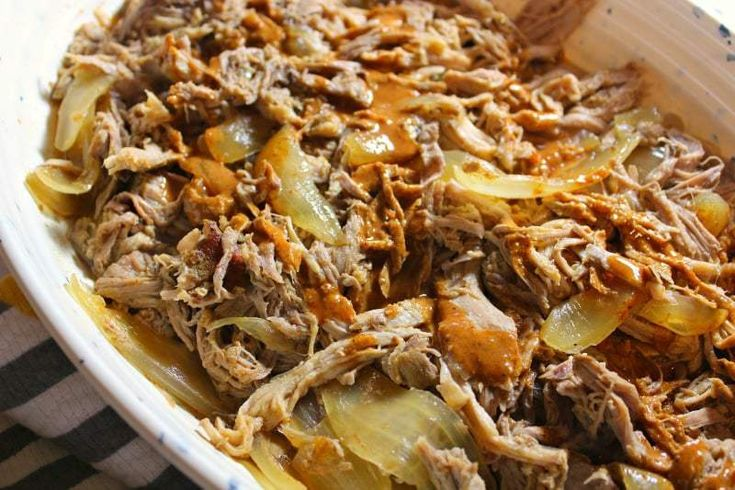 Slow Cooker Carolina Pulled Pork is a mouthwatering, no-fuss dinner that only takes 15 minutes