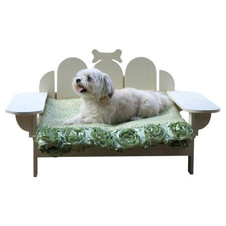 Bridgeport Outdoor Pet Bed in White pets
