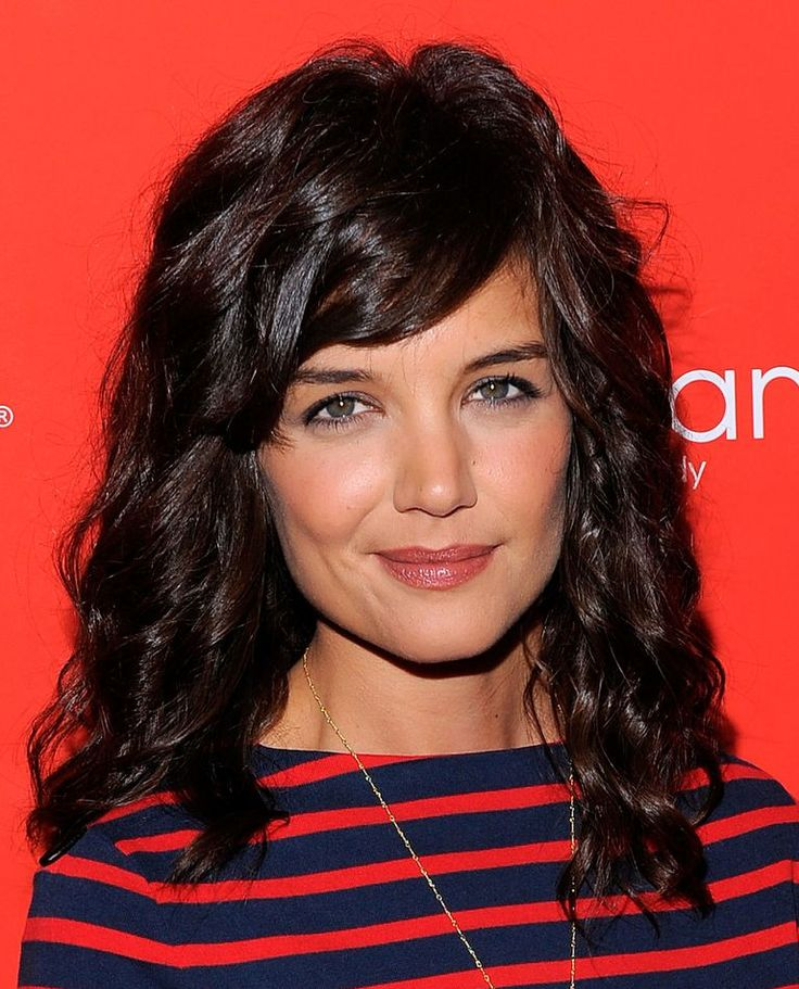 Katie Holmes Hair - Watch Katie Holmes's transformation over the years from her single, post-Dawson's Creek life, to dating Tom Cruise, to motherhood, to marriage, from long hair, to short and back to long hair again.