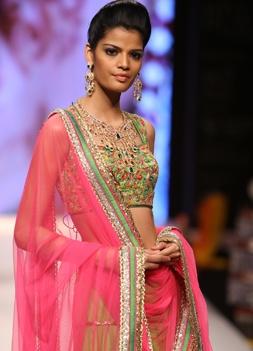 Day 2 - Models walking the ramp for Day 2 show of Gitanjali #iijw13   INDIA INTERNATIONAL JEWELLERY WEEK 2013