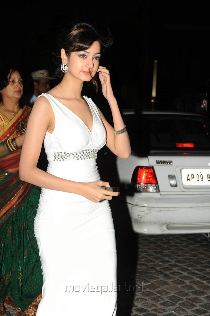Shanvi at 60 Idea Film Fare Awards