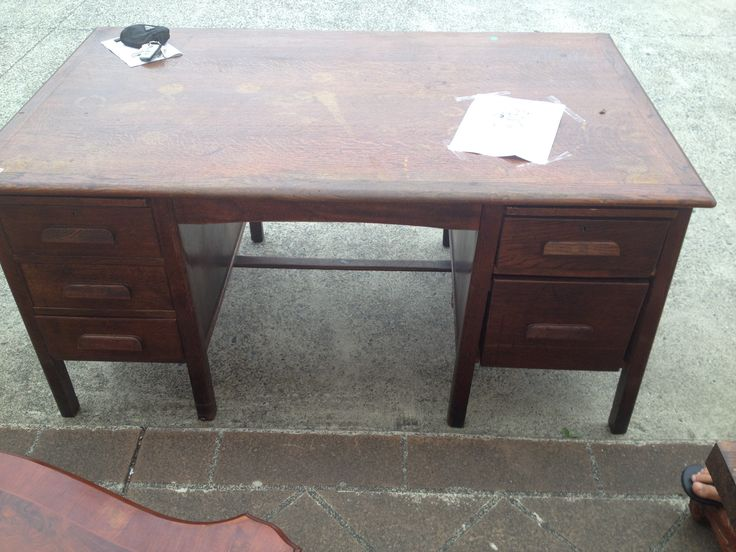 An old english oak desk....the draws needed fixing. Just love it.....keeping this for myself, just needs a beautiful chair now