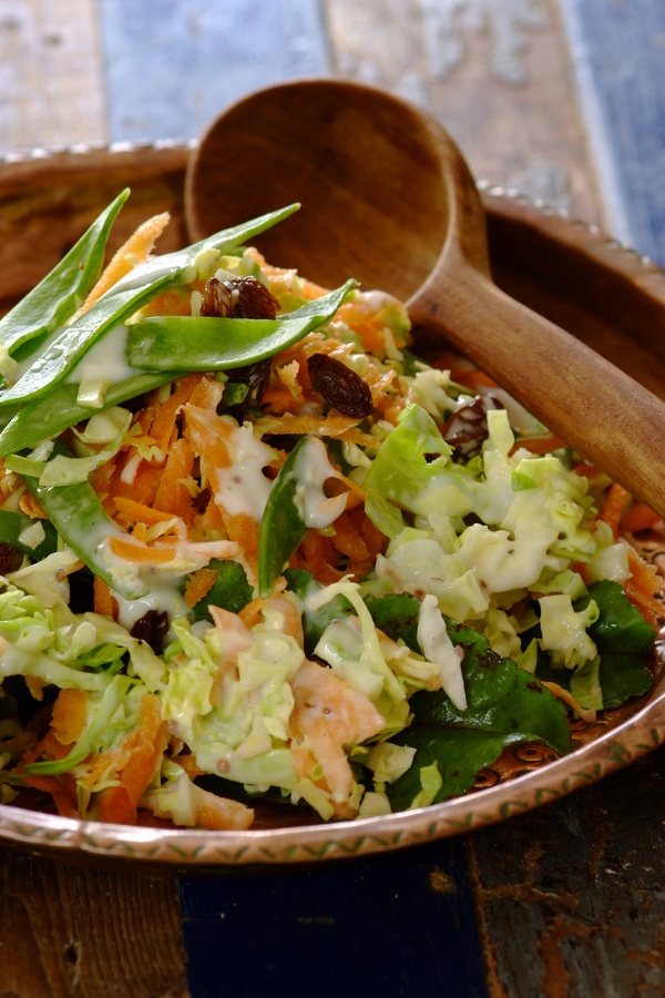 Crunchy, tangy coleslaw: a gourmet spin on a classic salad, packed with crunchy veggies.