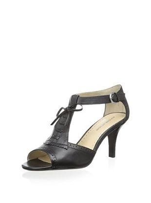 46% OFF Adrienne Vittadini Women's Gretchen Sandal (Black)