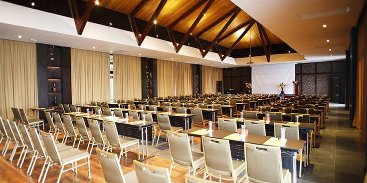 Trung tâm hội nghị Amiana Conference Centre (ACC) tự hào là địa điểm tổ chức hội nghị có vị trí và quang cảnh đẹp nhất tại Việt Nam. Đại biểu và khách tham dự sẽ không khỏi trầm trồ khi ngắm nhìn vẻ đẹp tuyệt vời của vịnh biển Nha Trang và đường chân trời của thành phố phía xa xa.