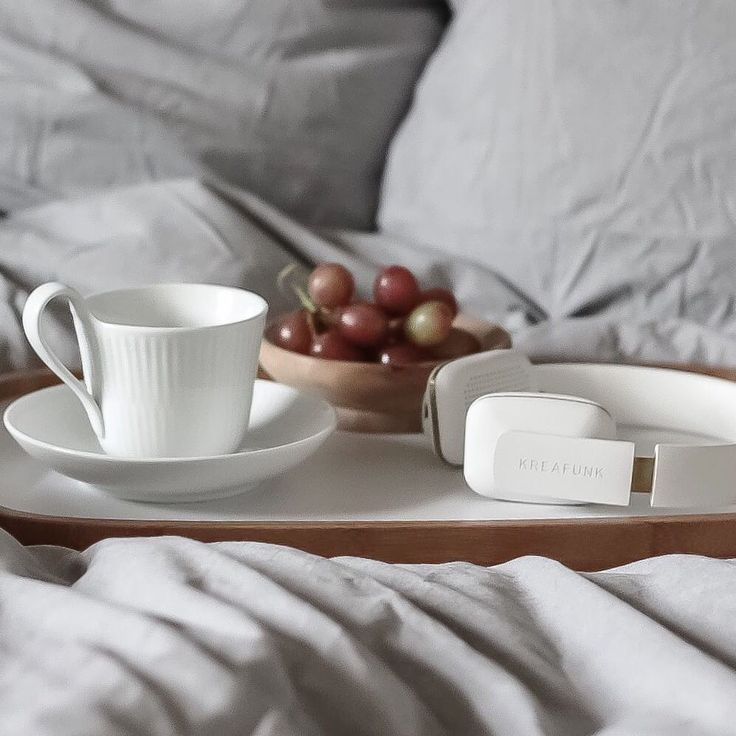 Breakfast in bed with coffee and music. aHEAD from KREAFUNK ensures a morning full of music.Photo: @trineroed
