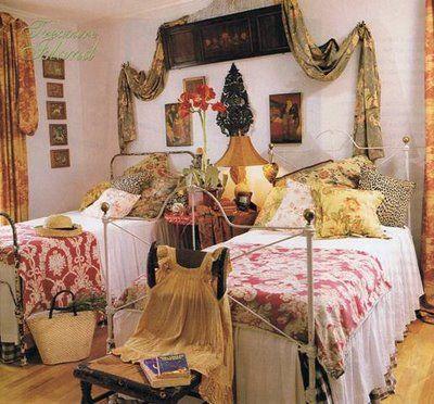 best 20+ vintage dorm ideas on pinterest   vintage dorm decor
