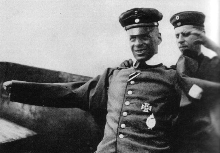 Oswald Boelcke shot down WWI British pilot then shook his hand and got him coffee