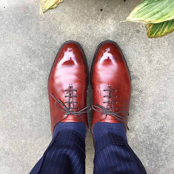 Lloyd Footwear  茶のクリームを使ってるんですがだんだん赤味が増してるような #lloydfootwear #shoes #mensshoes #sotd #shoesoftheday #ロイドフットウェア #紳士靴 #革靴