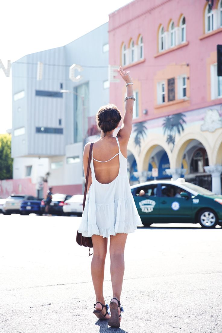 Venice_Beach-California-Road_Trip-Open_Back_Dress-Brandy_Melville-Street_Style-18