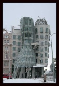 "Prague - ""Ginger & Fred"" ou ""The dancing house"" par Frank Gehry"