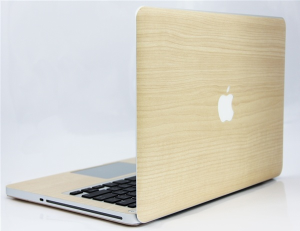 <Maple Wood (メイプル) for MacBook Pro Retinaディスプレイ 15>メイプルの木を、本物以上に模しています。 #iphone #tech #case #skin #accessory #fashion #geek #sexy #apple #technology #products #design #wood