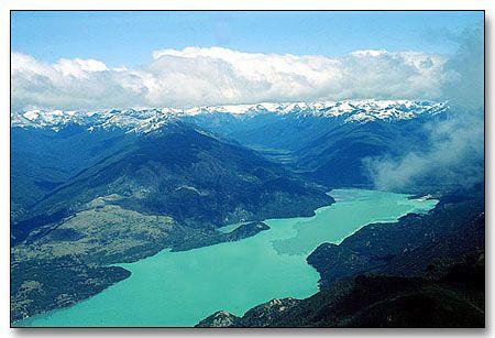 Lago Ranco. Chile. A 124 Km de Valdivia  y a 90 Km de Osorno hacia la Cordillera.