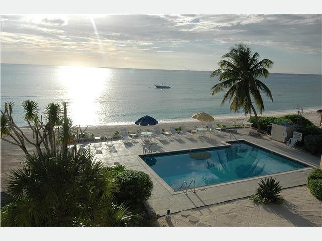 Cayman Villa Rentals  Mile Beach