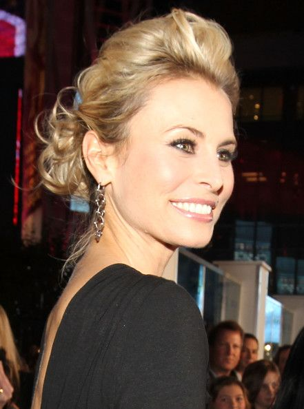 Niki Taylor Photos - 2011 People's Choice Awards - Red Carpet - Zimbio