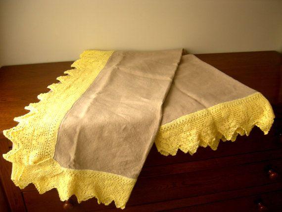 Tovaglia di puro lino con bordo in pizzo di di CrochetLacesAndMore