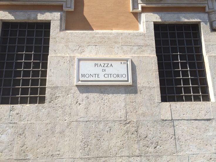 Piazza Montecitorio, Roma 2015