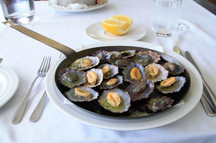 Las lapas es uno de los platos gastronómicos más populares de la isla de Madeira. www.visitmadeira.pt