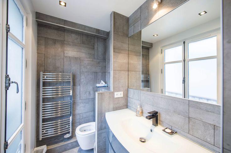 Salle de bain refaite à neuf avec wc suspendus