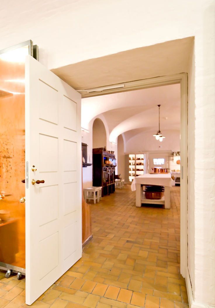 Fire door | Vahle Replica door | The Royal Kitchen @ Christiansborg Palace