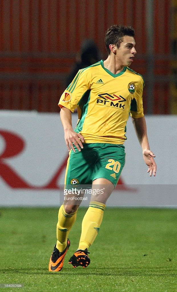 gonzalo-bueno-of-fc-kuban-krasnodar-in-action-during-the-uefa-europa-picture-id184050594 (621×1024)