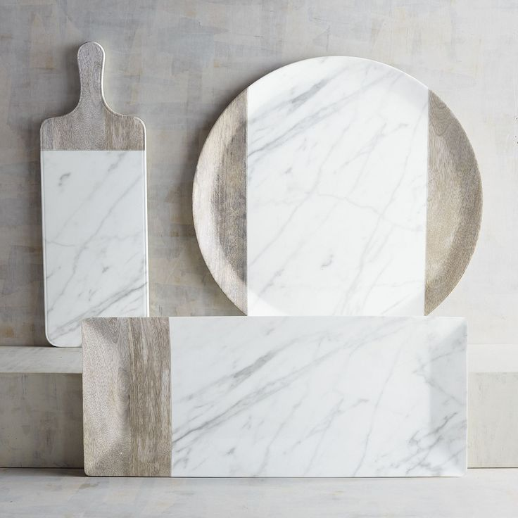 Ideal for celebrating a special occasion or creating a one-of-a-kind dining experience, our marble- and wood-grain-look melamine serving pieces are the natural choice for creating the perfect rustic setting, indoors and out.